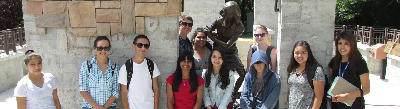 UB Students at Anne Frank Memorial